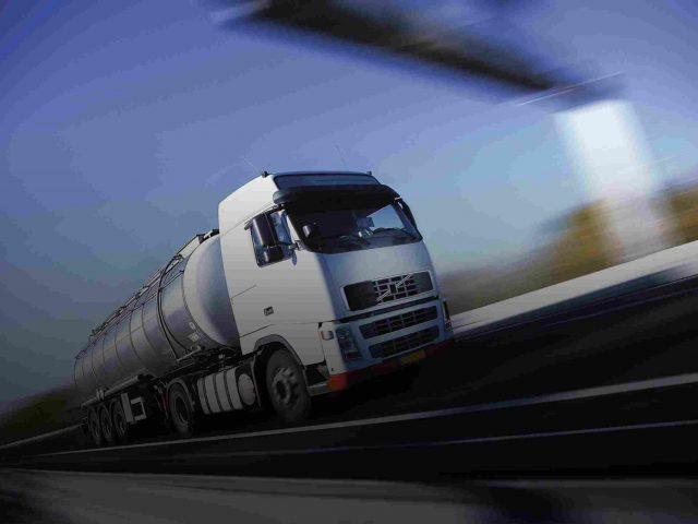 https://www.easyimportusa.com/wp-content/uploads/2015/09/White-Truck-single-640x480.jpg